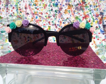 Pastel flower sunglasses