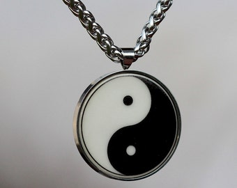 talisman YIN YANG Chinese high quality stainless steel pendant + chain