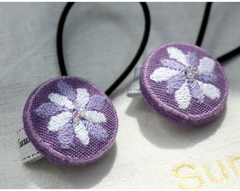 "Embroidered ponytail holder ""Purple flower"""
