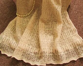 Beautiful Vintage Wool Ecru Shawl