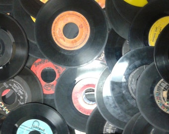 "Lot of 25 vinyl 7"" 45 RPM singles for crafting"