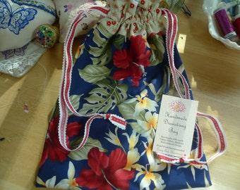 Lined Drawstring Hawaiian Hibiscus Bag