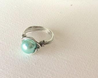 Mint Pearl Ring -- Pearl Ring -- Mint Ring -- Mint Beaded Ring -- Cute Ring -- Custom Pearl Ring -- Bridesmaid Gift -- Bridesmaid Ring