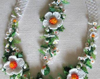 Ukrainian Jewelry. Unique necklace for woman. Ukrainian Necklace. Daisies.