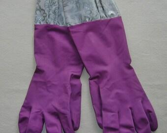 Dusty Plum Kitchen Gloves w/Silver Toile Oil Cloth Trim