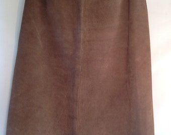 Vintage Suede skirt 4 panel, slim line, fully lined, classic style, suede has natural finish and colour.
