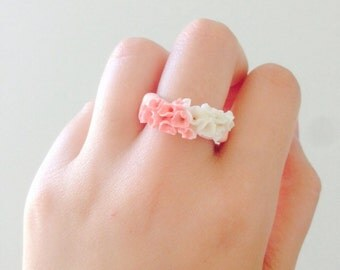 Polymer clay ring, flower ring, polymer clay in white and pink