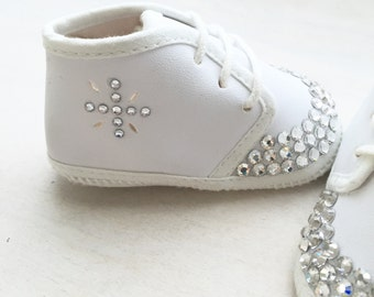 White booties, white baby shoes,baptism shoes,christening shoes, baby bling shoes, Swarovski newborn shoes, blessing shoes, baby gift