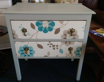 Bedside cabinets/draws