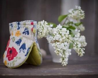 Linen kitchen glove with flowers