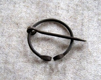 Small medieval Brooch, Reenactment, LARP, Cloak pin, Iron wire