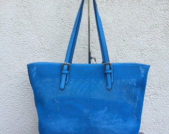 PERFORATED leather SHOPPER light blue