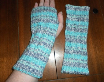 Double Spiral cable fingerless mitten