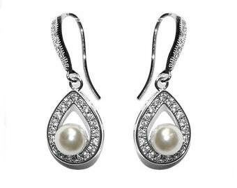 Ivory Droplet Pearl Earrings, bridal ear rings, prom earrings, bridal accessories, bridal jewellery