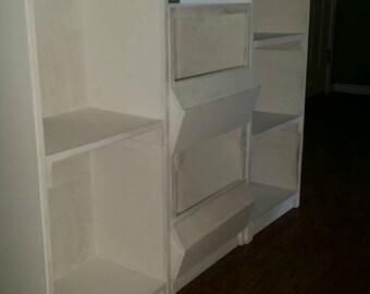 Bookshelf with cubby