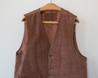Roundtree and Yorke brown suede leather vest
