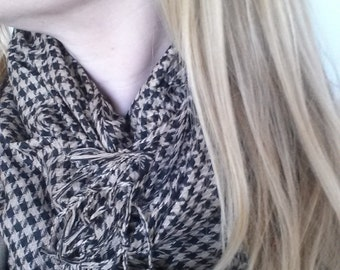 Vintage Toffee and Black Hounds tooth Scarf