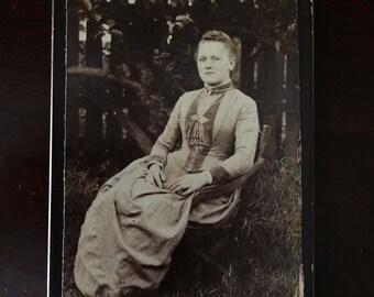 Victorian woman, cabinet photo. Vintage photo. Antique photo.