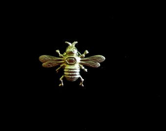 Teensy Busy Bee Tie Tack