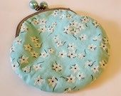 Vintage Blue Cotton Flocked Flowers Metal Frame Small Pouch