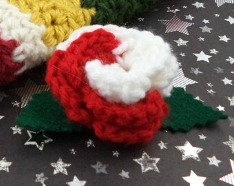Sarah Jane Smith - Crocheted Rose Bar Pin - Red and White (SWG-PS-DWSJ02)