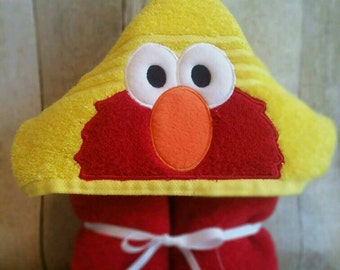 Elmo hooded bath/pool towel