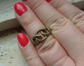 FREE SHIPPING Vintage Brasstone Unisex Band Industrial Modern Design Ring - Size 6