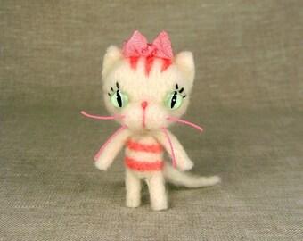 Tiny Vanilla Cupcake Kitty Made-To-Order