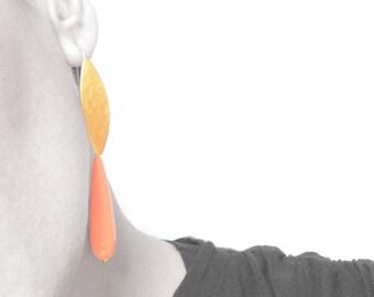 Gold earrings, dangle earrings, bridesmaid jewelry, coral resin, drop earrings, statement earrings, jewellery, pendientes largos,dorado mate