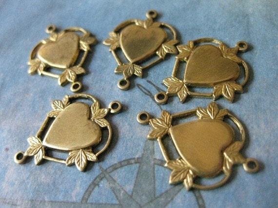 4 PC Raw Brass Victorian Heart Link Finding - BB06