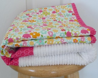 Bugs and Blooms Chenille Quilt: Ready to ship, Baby girl quilt, Toddler Quilt, Baby Shower gift, patchwork quilt, chenille, flowers, pink