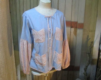 Blue Chambray Blouse 60s vintage Boho Top Blue peasant blouse floral Calico shirt  M L