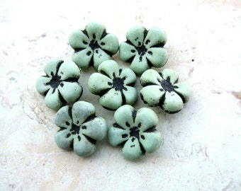 6 Vintage flower buttons green with black- choose size