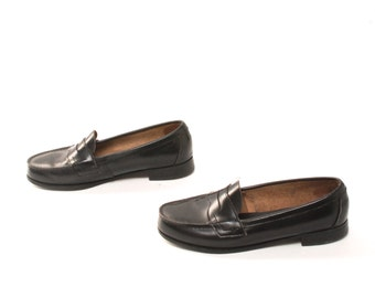size 9 PREPPY black leather 80s 90s LOAFERS slip on made by EASTLAND
