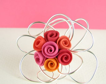 Pinky Ring - Pink Orange and Red Roses - Polymer Clay & Art Wire