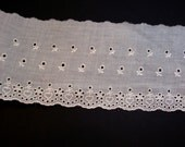 Ivory Lace, Antique Ivory Eyelet Lace 5 inches wide x 3 yards, Raw Edge Lace, Flower and Hearts Lace