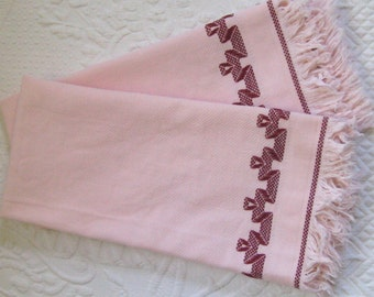 Embroidered Pink Huck Towels . Set of Two  . Huck Towels . Pink Art Deco Towels . embroidered hand towels . art deco towel
