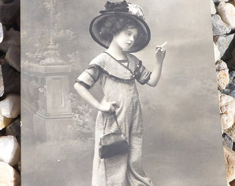 Antique postmarked French Fashion postcard 1911