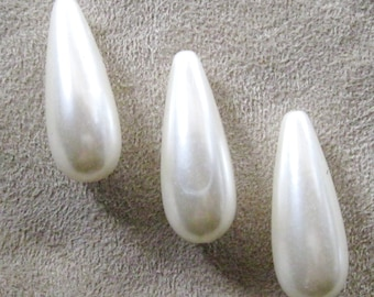 Off White Ivory Acrylic Lucite Pearl Tear Drop Beads 33mm x 12mm 833