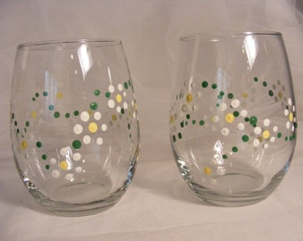 painted daisy wine glasses stemless for spring or summer wedding, garden party, bridesmaids. wedding gift