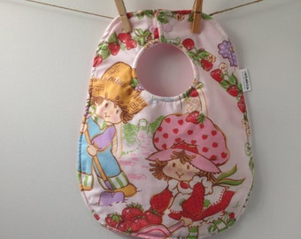 Strawberry Shortcake Baby Gift - 80s Baby Shower Gift - Baby Bib Made From Vintage Strawberry Shortcake Sheets - Strawberry Shortcake Bib