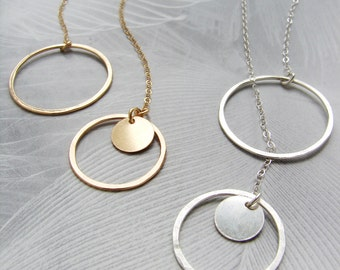 Silver circle lariat, Y necklace, Infinity circle lariat, layered long necklace, Bridal necklace, hammered circle dainty simple necklace