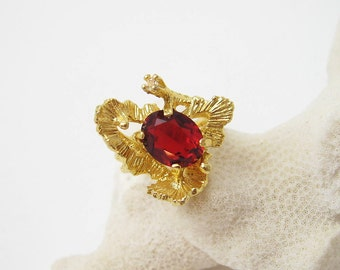 Vintage Rhinestone Ring Abstract Unusual Costume Jewelry Size 6 R6600
