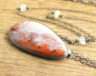 Amazing stone and metalwork necklace, berber agate necklace, bezel-set stone necklace, unusual stone, ready to ship.