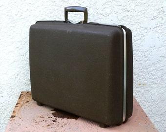 "Vintage Royal Traveller ""Aurora"" Hard Shell Suitcase, Brownish-Grey, Original Key!"