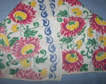 "Vintage 1940's Table Runner, Vivid Colors, Red, Blue, Yellow, Green, Chrysanthemums, Mums, 43"" x 17"", FREE SHIPPPING"
