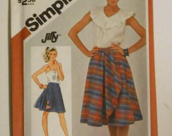Vintage 80s Reversible Front Wrap Around Skirt Pattern Simplicity 5812 Size 14 Waist 28 UNCUT