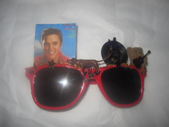 Red Decorated Sunglasses Elvis Presley Tribute Rock 'n Roll Retro Vinyl LP Hound Dog Stars Gold Glitter Teddy Bear Guitar Miniatures Collage
