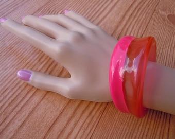 Vintage 1980s Chunky Hot Pink Cuff Bracelet Plastic Bracelet Chunky Bangle Retro Lucite Bracelet