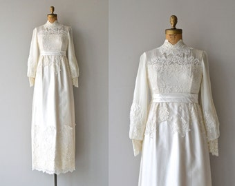 Alwine wedding gown | 1960s wedding dress • lace 60s wedding dress